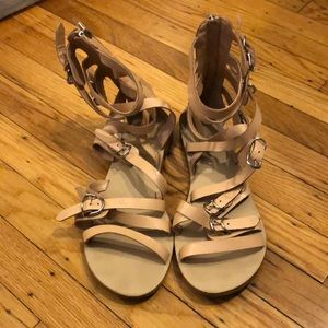 Dolce Vita Gladiator Sandals - like new - size 8.5